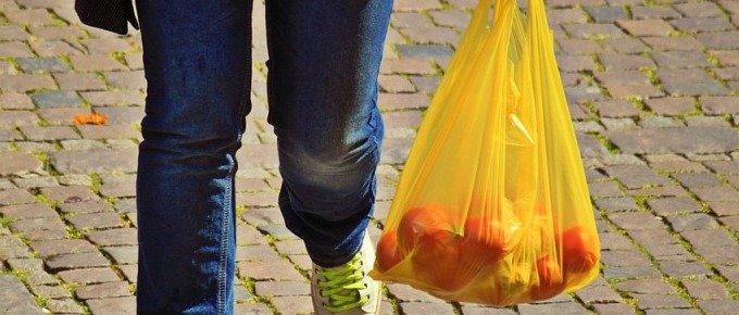 Catalunya prohíbe las bolsas de plástico gratis